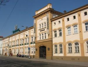 775px-Browar_Starobramen_-_Praga